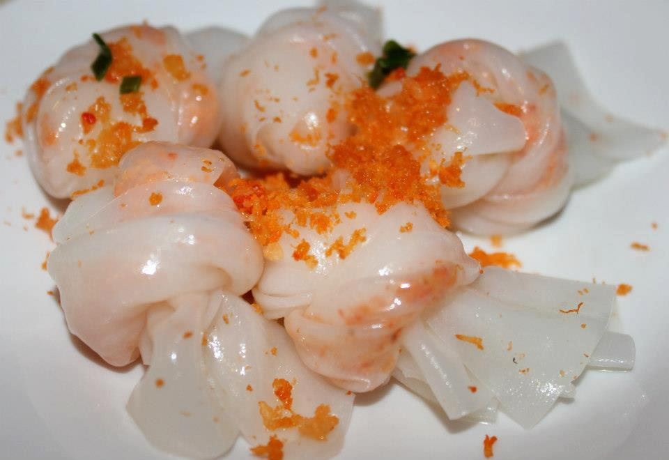 Bánh cuốn Tôm - Rice cakes with dried shrimps