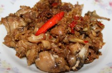 Ếch xào sả ớt -  Stir fried Frog's legs in Lemongrass & Chili